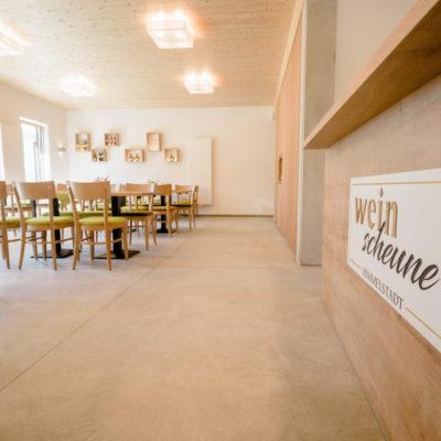 weinscheune-himmelstadt_Weinscheune-Innenraum-Eingangsbereich